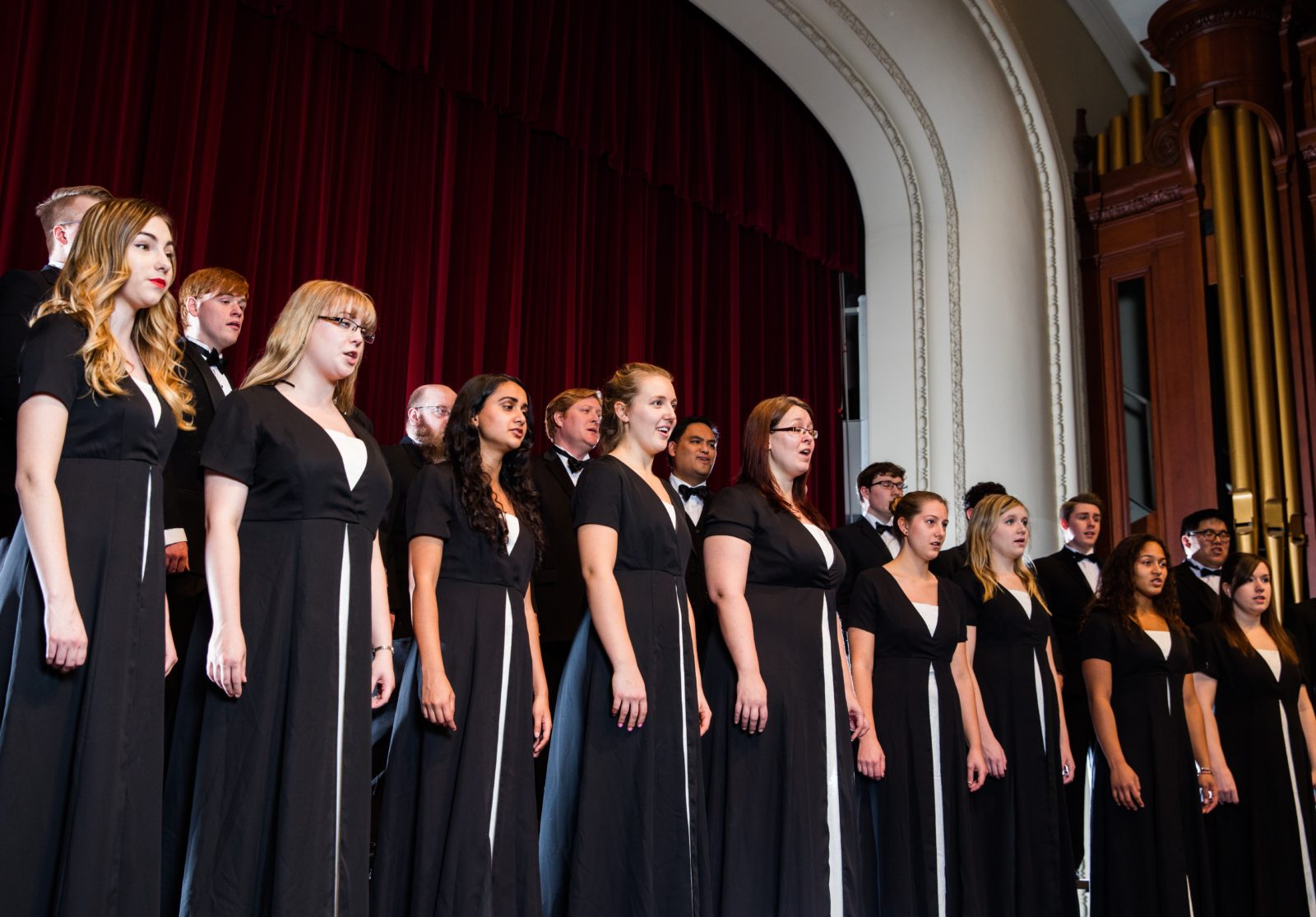 Madrigal Singers Fall 2015 3